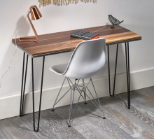 Маленький компьютерный стол, цвет коричневый, стиль - скандинавский