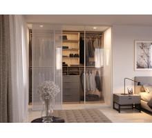 Гардеробная за раздвижными дверями системы Visio-V, цвет - дуб гладстон, стиль - современный