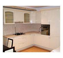 Кухня Инфинити маленькая, цвет - белый, бежевый, стиль - классический
