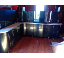 Кухонный гарнитур Хамелеон, цвет - зеленый, красный, фиолетовый, стиль - современный