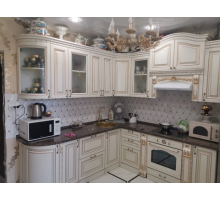Кухня угловая эмаль, цвет - белый с золотой патиной, стиль - классический